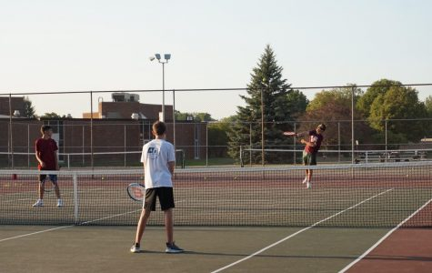 Boys Varsity Tennis make a Comeback to the Court